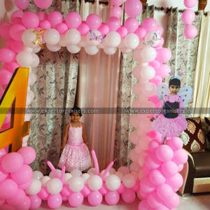 pink-white-balloon-photobooth-at-home