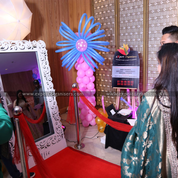 Selfie Mirror Photo booth in Chandigarh Mohali Panchkula Zirakpur
